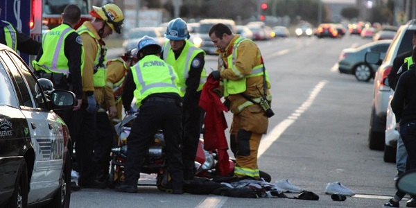 HEMET: Motorcyclist hospitalized after two-vehicle crash