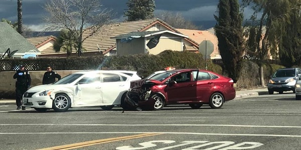 Two-vehicle Hemet wreck sends one to hospital
