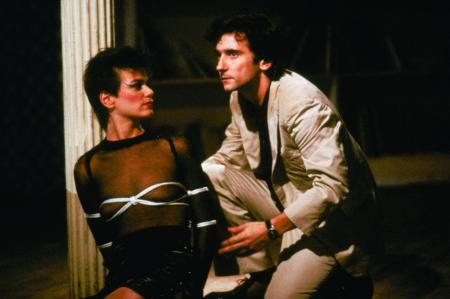 still-of-linda-fiorentino-and-griffin-dunne-in-after-hours-(1985)-large-picture