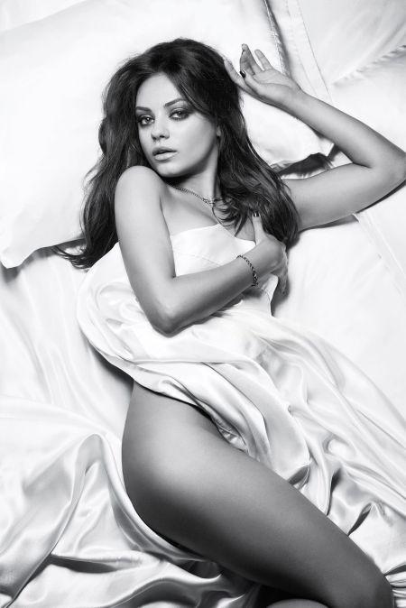 Mila-Kunis-Esquire-Magazine4