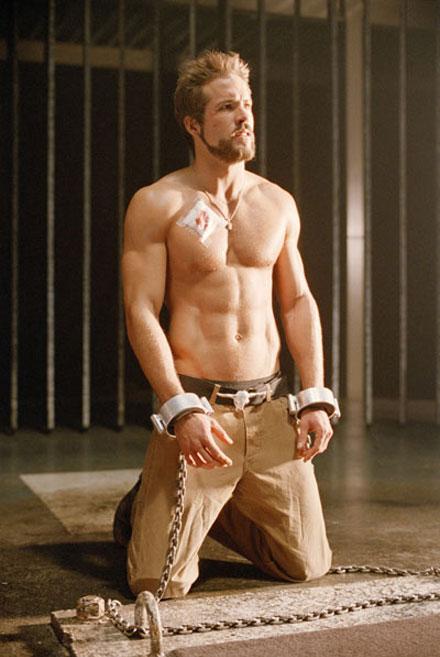 ryan-reynolds-shirtless