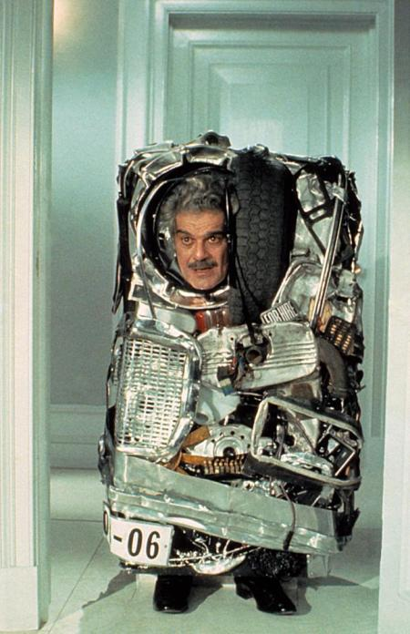 TOP SECRET, Omar Sharif, 1984