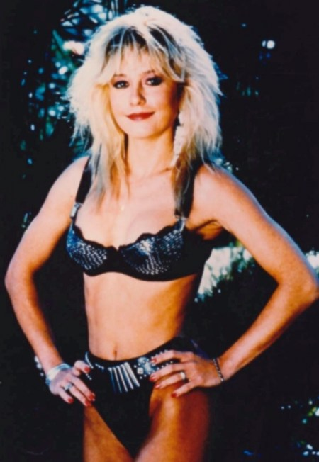 Linnea quigley in curse of the lesbian love goddess 7