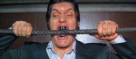 jaws-teeth-james-bond-prop-replica-9