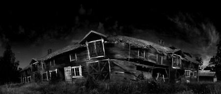 creepy-house (www.gothicwallz.com)