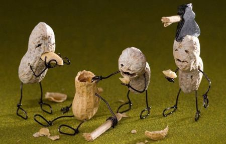 Hilarious Art Using Food and Bent Wire (9)