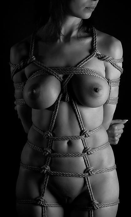 naked_bondage_crimson_quill