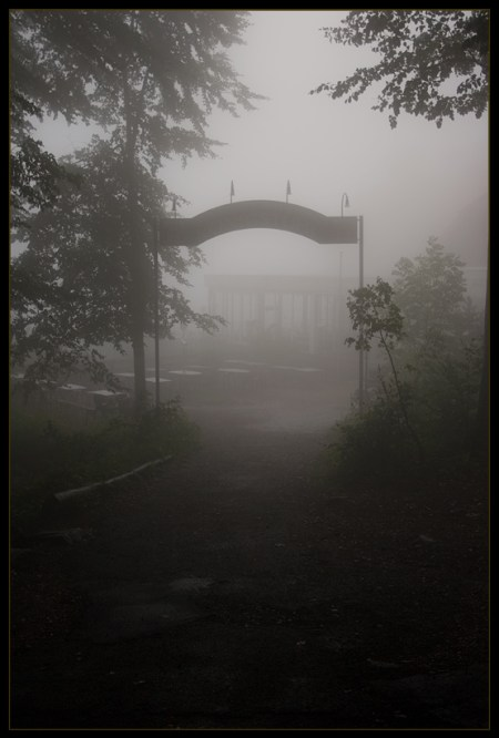 silent_hill__the_gate_by_d3r_t