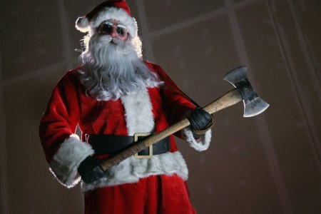 killer-santa-in-silent-night-deadly-night-remake