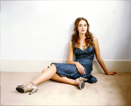 Emily-Blunt-007-1600x1200