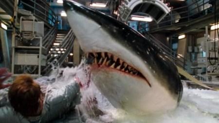 deep-blue-sea-shark-review (13)
