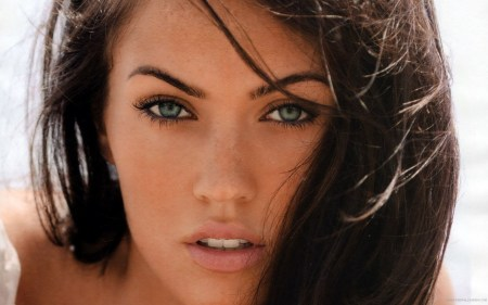 megan-fox-wallpaper-2