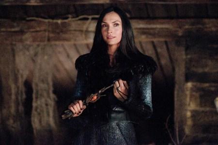 hansel-and-gretel-witch-hunters-famke-janssen
