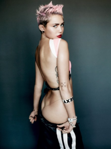 miley-cyrus-sexy-pictures-2015-2