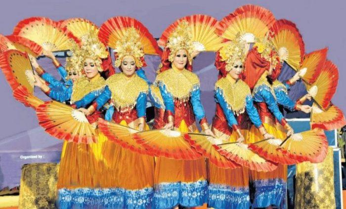 Ciri khas tari pakarena Sulawesi Selatan