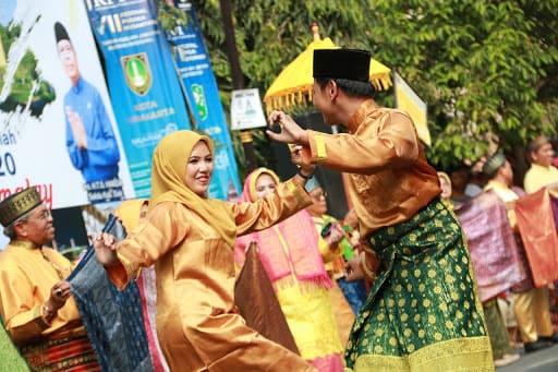 Tari Tandak Kepulauan Riau