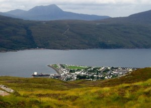 Ullapool,_from_the_Ullapool_Hill_Walk_