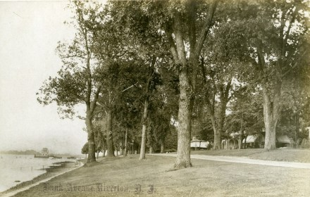 Bank Ave., RYC in distance