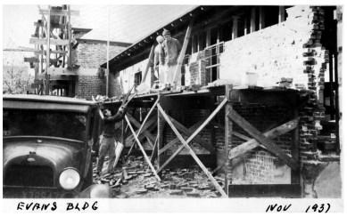 017_1937 Nov. - construction of brick veneer