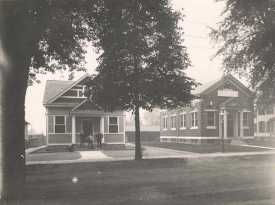 post office at 609 Main & bank undated photo from HSR archives