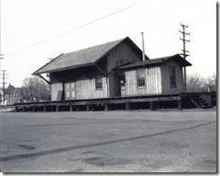 Riverton, NJ 1-30-1955 PRR Freight House near Broad and Lipp - orig (1600x1279)