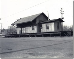 Riverton, NJ 1-30-1955 PRR Freight House near Broad and Lipp - orig (1600x1279)