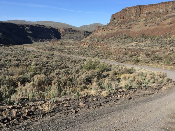 Gravel section in the Palisades. Looks like Grand Junction to me... photo: D. Banks