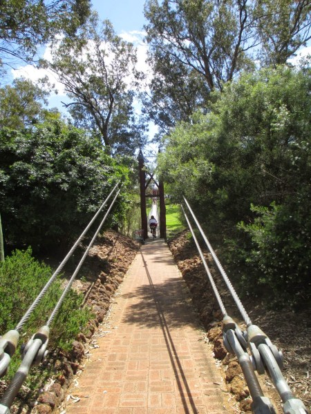 Come and get it, if you can do it: the single track swinging bridge to lunch. photo: S. Klaassen
