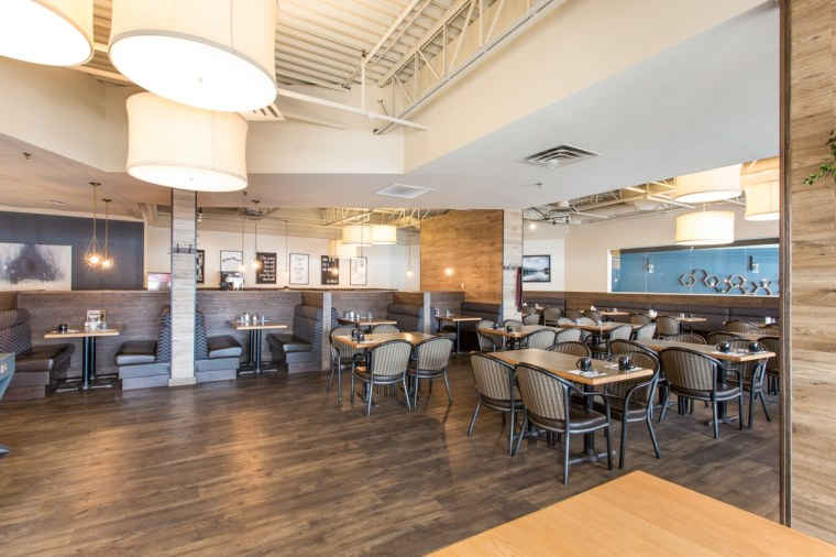 headquarters restaurant and bar dining area in sherwood park