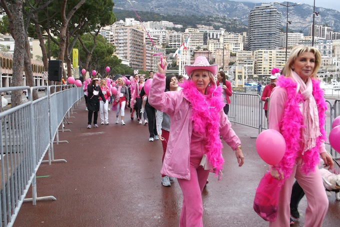 And they're off! The Pink Ribbon Walk 2013 in Monaco