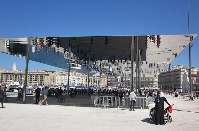 L'Ombrière by Norman foster in Marseille