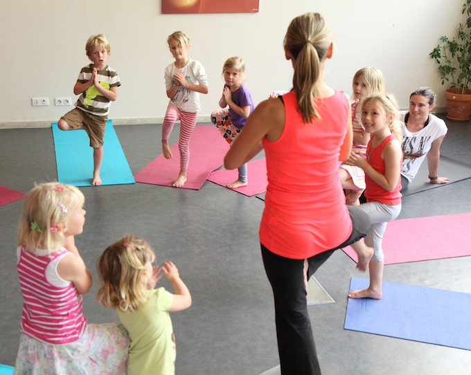 Kids yoga at Sohum Yoga in Antibes