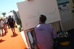 Cannes-Yacht-Show-2013-artist-at-quayside