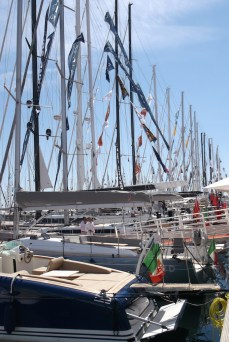 Cannes-Yacht-Show-2013-yacht-masts