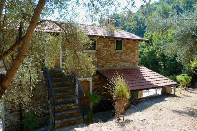 The country house overlooking Dolceacqua