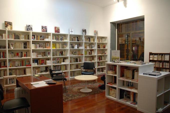 Librairie Vigna LGBT et féminisme in Nice -- interior shot