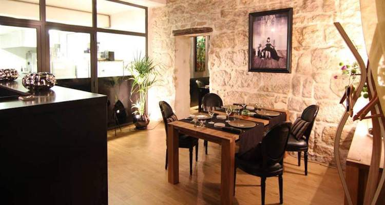 L'Aromate restaurant interior in Nice