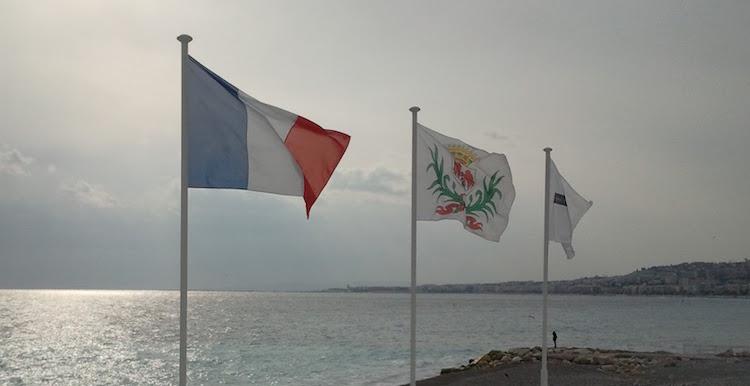 Promenade des Anglais flags