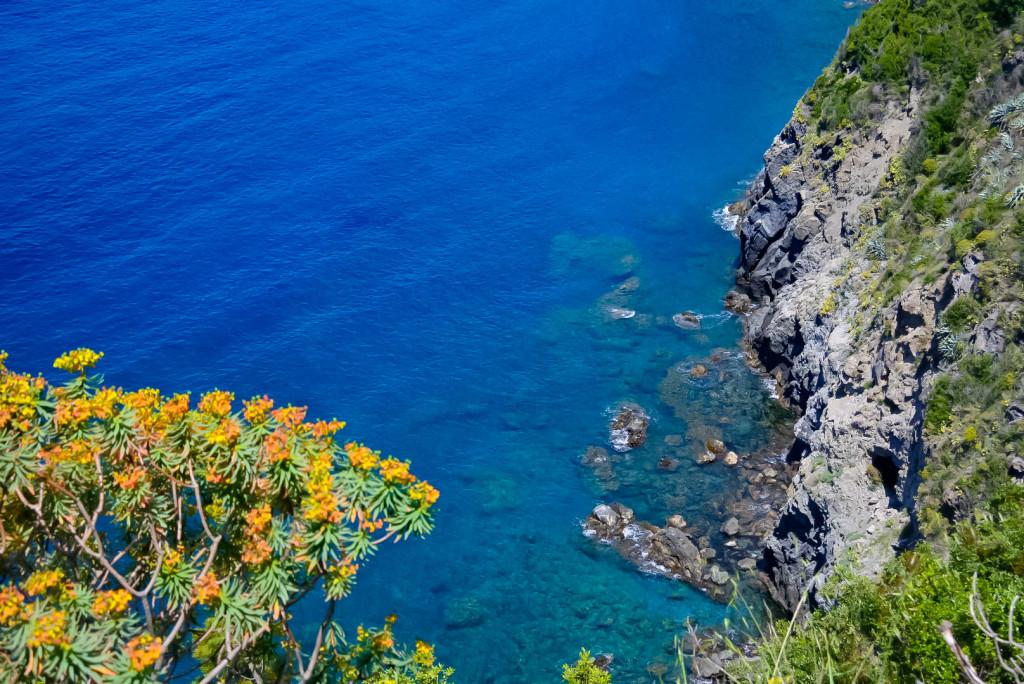 Cinque Terre e il suo mare unico tra la natura