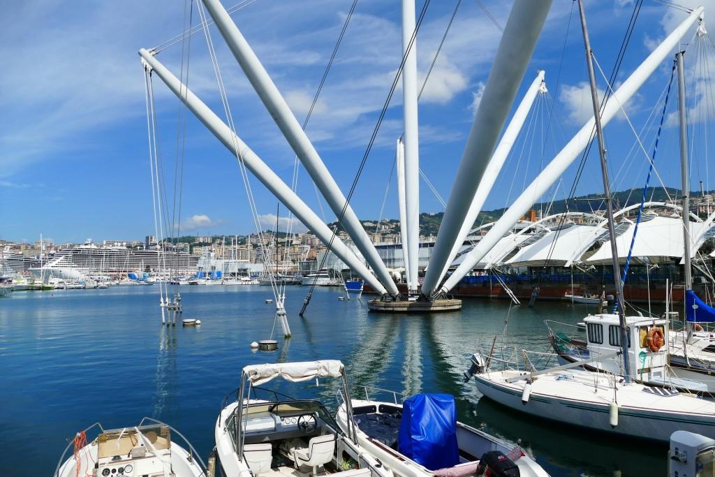 Porto Antico di Genova e il Bigo