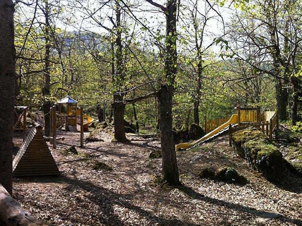 Val Trebbia passeggiata nel bosco delle fate e il suo parco