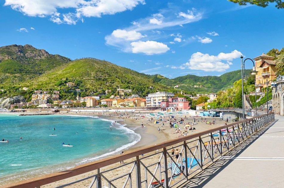 Levanto_passeggiata_sul_mare_e_spiaggia_sabbiosa