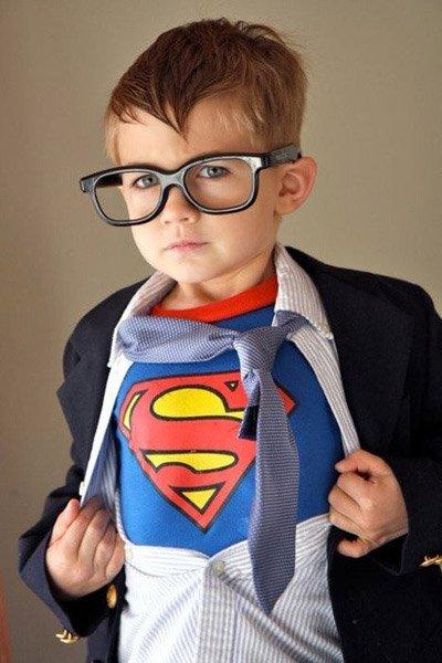 Costumi di carnevale per tutta la famiglia a tema Superman