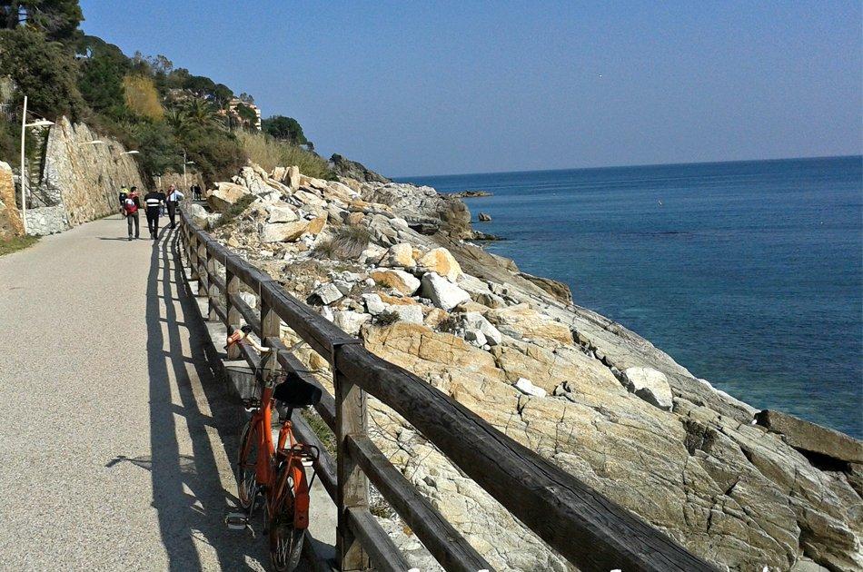 Varazze pista ciclabile lungomare europa
