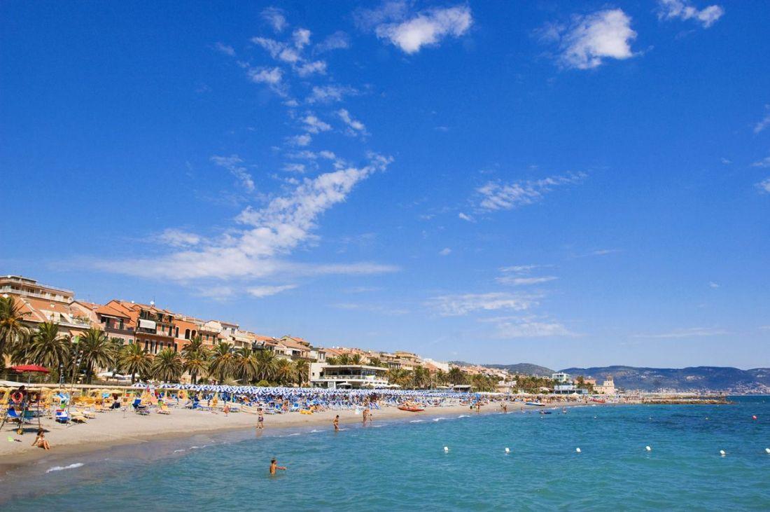 Loano spiaggia libera e stabilimenti balneari