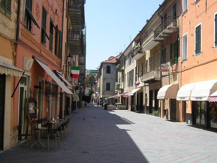 Loano via antica interna alla città