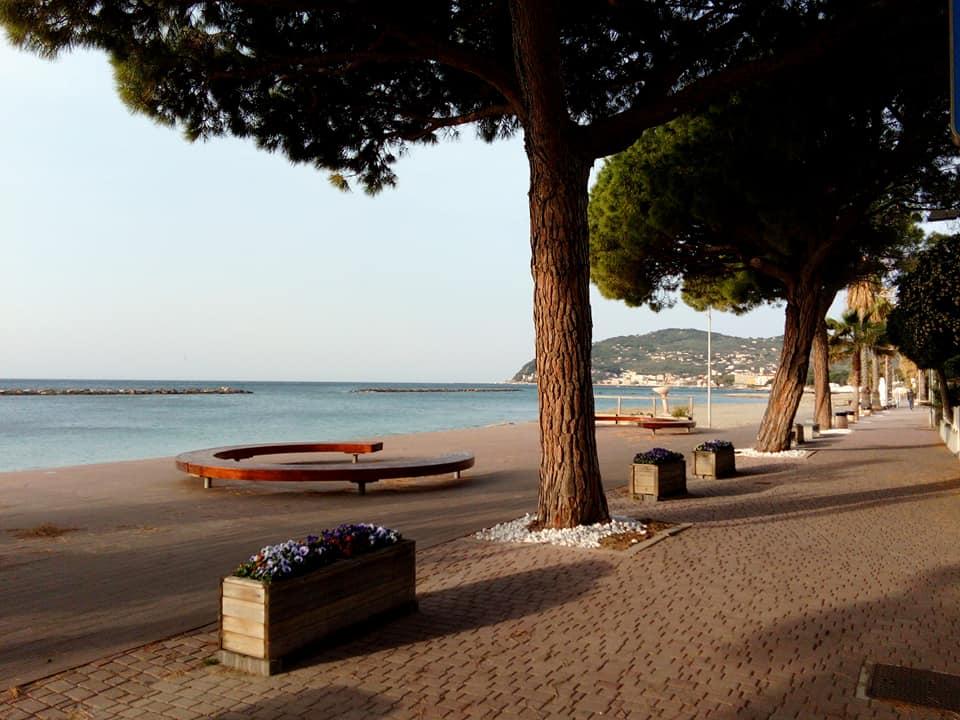 San Bartolomeo Al Mare e la passeggiata lungomare