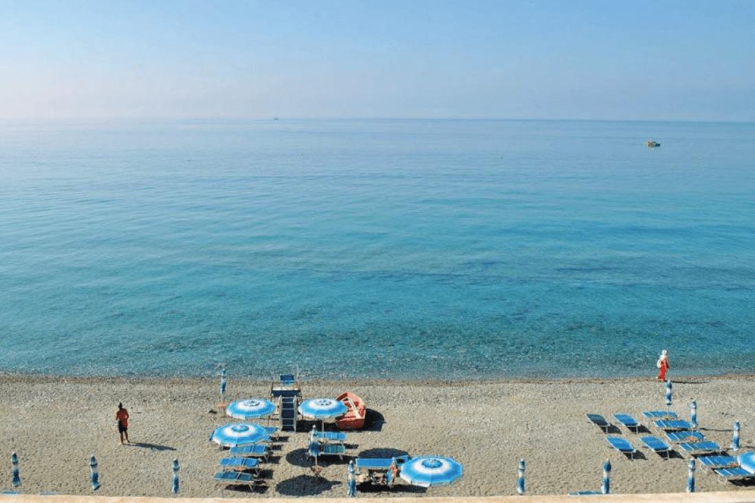 Spiaggia-hotel-Savoy