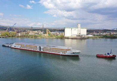 E-Motion schip van A-Rosa te water gelaten