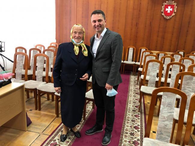 Поліську бабусю з гурту «Старі Коні» нагородили орденом. Культура - Новини  Рівного та області — Рівне Вечірнє